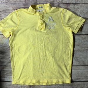 Abercrombie kids yellow two Button short sleeve